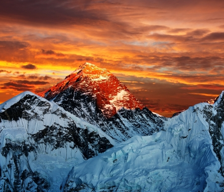 eventide: Evening colored view of Everest from Kala Patthar - Nepal