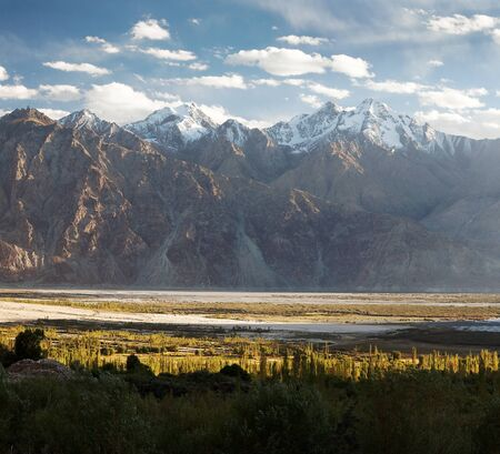 indian creek: Nubra valley - Indian himalayas - Ladakh - Jammu and Kashmir - India Stock Photo