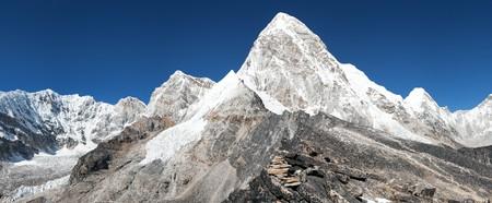 ri: View of Mount Pumo Ri and Kala Patthar - way to Everest base camp - Nepal