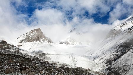 当山 - キルギスタンからの眺め 写真素材