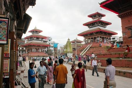 hinduist: KATHMANDU, NEPAL, 7th SEPTEMBER 2010 - nepalese people on Durbar square, Kathmandu
