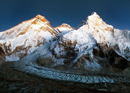 nightly: nightly view of Mount Everest, Lhotse and Nuptse from mount Pumo Ri base camp - Sagarmatha national park, Khumbu valley, Nepal