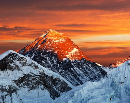 eventide: Evening colored view of Mount Everest from Kala Patthar, Khumbu valley, Solukhumbu, Sagarmatha national park, Nepal Stock Photo