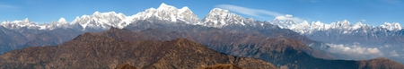 bazar: Panoramic view of himalayas range from Pikey peak - trek from Jiri Bazar to Lukla and Everest base camp - Nepal Stock Photo