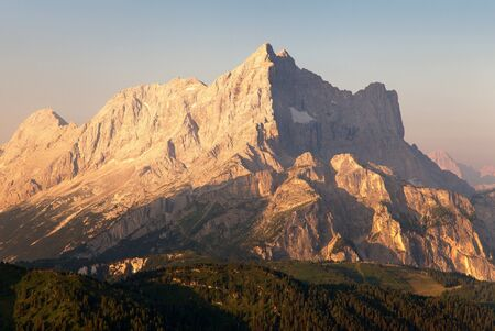 italien: Morning view of Mount Civetta - one of the best mouts in Italien Dolomites Alps mountains
