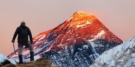 エベレスト ベース キャンプ、サガルマータ国立公園、クーンブ谷、クーンブ谷、サガルマータ国立公園、ネパールに行く途中観光 Gokyo 渓谷からエ