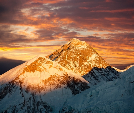 sierra: Mount Everest, Evening colored view of Mount Everest from Kala Patthar, Khumbu valley, Solukhumbu, Mount Everest area, Sagarmatha national park, Nepal Stock Photo
