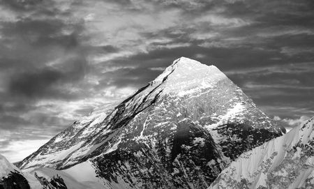 nepali: Black and white view of top of Mount Everest from Gokyo valley - way to Everest base camp - Nepal