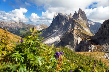 alpen: View of Geislergruppe or Gruppo delle Odle, Italian Dolomites mountains