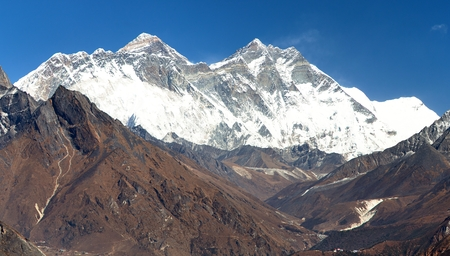 sierra: view of Mount Everest, Nuptse rock face, Mount Lhotse and Lhotse Shar from Kongde - Sagarmatha national park - Nepal