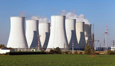 원자력 발전소, 냉각탑 - 슬로바키아 스톡 콘텐츠