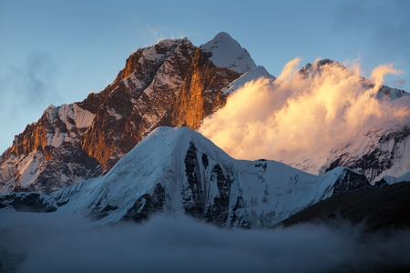 Evening sunset view of Mount Everest Lhotse and Lhotse Shar from Makalu Barun valley, Nepal Himalayas mountains Stock Photo