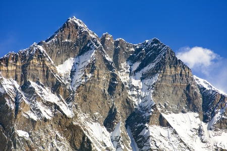 View of top of Lhotse, South rock face, Khumbu valley, Sagarmatha national park, Nepal Himalayas mountains Standard-Bild - 117080032