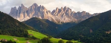 evening panoramic view of Geislergruppe or Gruppo dele Odle, Italian Dolomites Alps mountains Stock Photo - 123494532