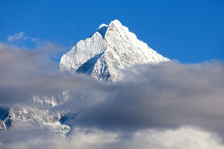 View of mount Thamserku, Khumbu valley, Solukhumbu, Nepal Himalayas mountains Stock Photo - 123494440