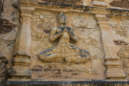 wat jedyod: angel on the wall , wat Ched yod in Chiangmai