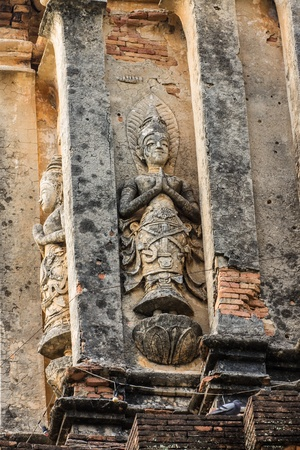 wat jedyod: angel on the wall ,Chedi wat Lok Mo Lee in Chiangmai