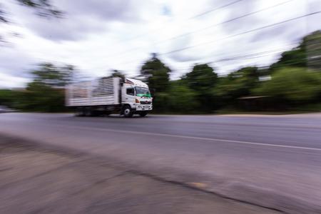 18 wheeler: truck panning camera in road