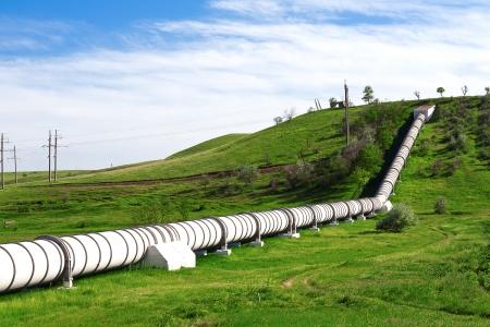 Tuyauterie industrielle avec le gaz et le pétrole Banque d'images