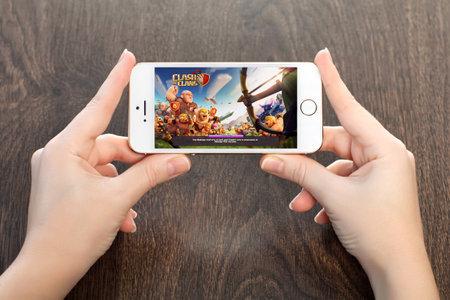 clash: Simferopol, Rusia - 13 de abril 2014 Choque de Clanes es un juego de estrategia en l�nea popular para iPad, iPhone y Android Creado por la compa��a de Supercell en 2012