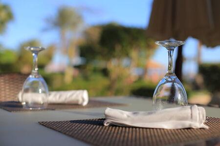setting table: Setting table