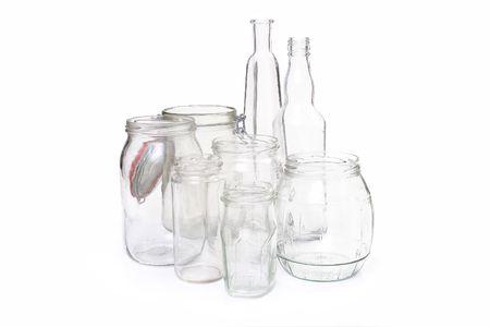 bocaux en verre: Clair pots de verre et des bouteilles sur fond blanc
