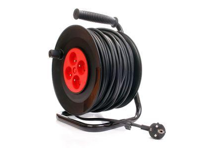 Cable de extensión eléctrica carrete aislada en fondo blanco  Foto de archivo - 2998805