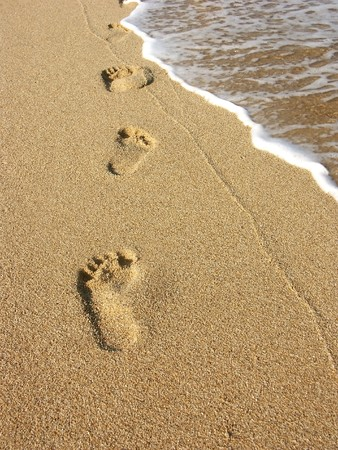 time lapse: Footprints along the seashore