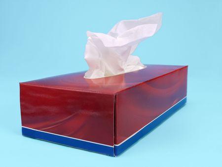 gewebe: Tissue-Box �ber hellblauen Hintergrund