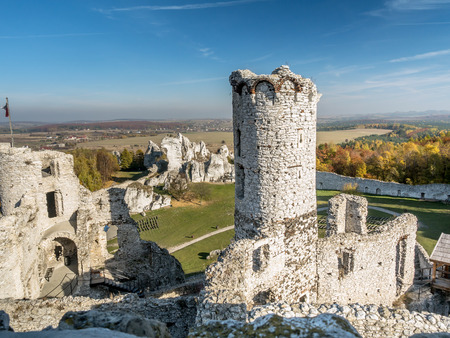 upland: Ruins of medieval castle Ogrodzieniec, located on the Trail of the Eagles Nest within the Krakow-Czestochowa Upland, Poland Stock Photo