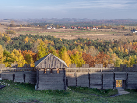 slavic: Reconstructed Slavic Burgwall at Bir?w near Ogrodzieniec Stock Photo