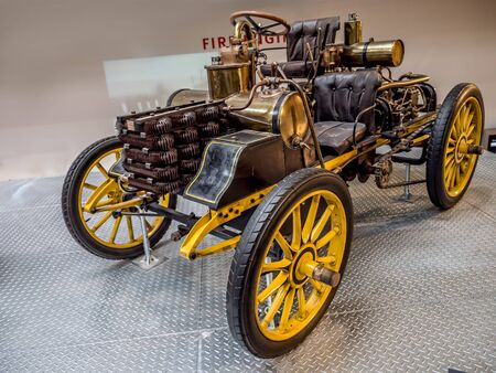 PRAGUE, CZECH REPUBLIC - MARCH 8 2017: Oldtimer racing car NW 12 HP Rennzweier from 1900, National Technical Museum of Prague Redactioneel