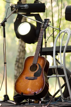 acoustic guitar guitar on the scene, before the show
