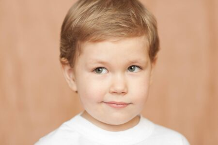 child portrait with blue eyes