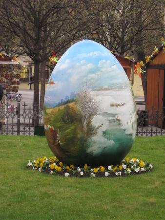 Prague Easter market giant egg Banco de Imagens