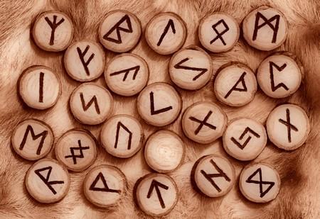 runes: Runes sur la fourrure aux tons s�pia