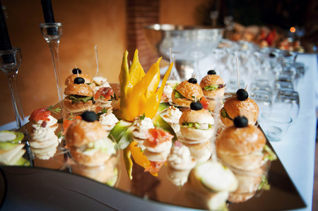 wedding food hors doeuvres and appetizers