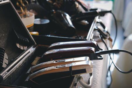 gentleman accessories in hairdresser bag at barber salon Imagens