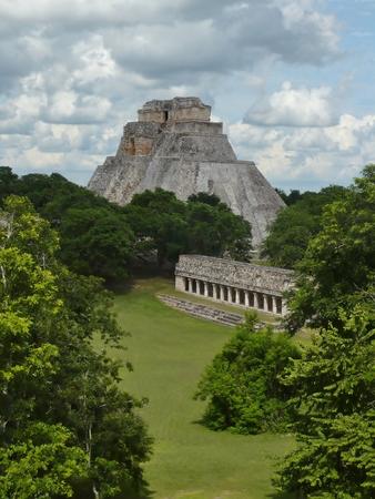profound: Ancient Mayan Ruins