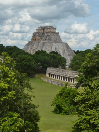 past civilizations: Ancient Mayan Ruins