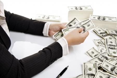 une étoffe de banque de comptage de l'argent