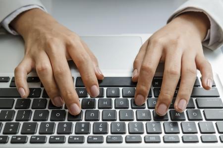 teclado de ordenador: Escribiendo en el teclado