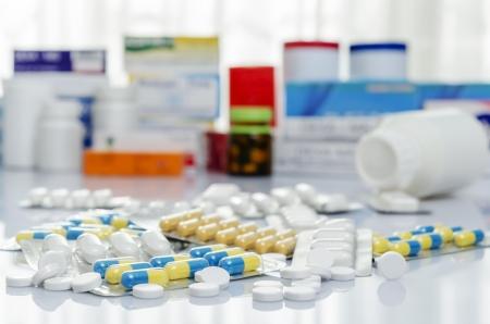 medicina: Variedad de medicamentos y drogas