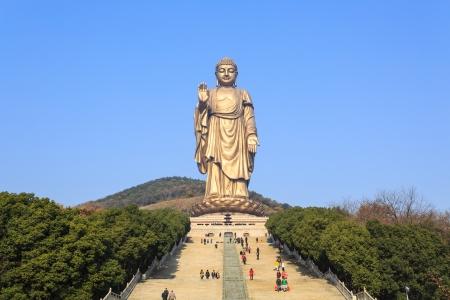 Golden buddha statue at lingshan temple, Wuxi, China Imagens