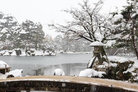ishikawa: Winter Kenrokuen Garden in Kanazawa, Ishikawa, Japan