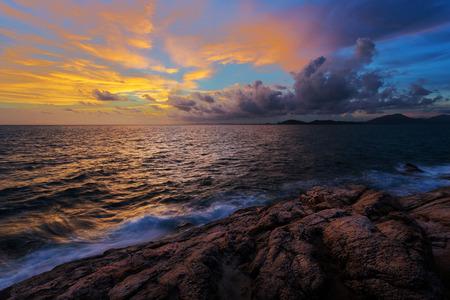 koh samet: Sunset on sea coast in Koh Samet Rayong Thailand
