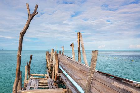 samet: Wooden bridge on sea, day time, Koh Samet, Rayong, Thailand