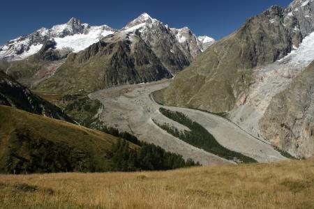 Miage Glacier in Graian Alps 스톡 콘텐츠