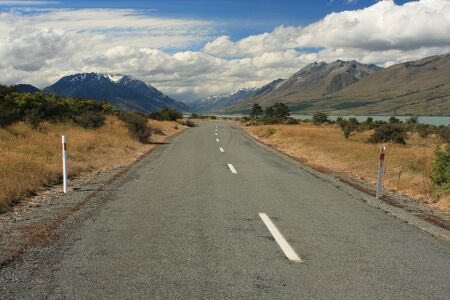 mountain ranges: road leading to Mount Cook National Park, New Zealand