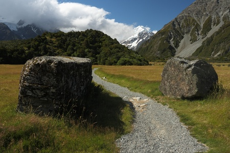 hooker: snaking footpath in Hooker Valley, Mt Cook